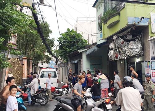 Hai cha con ở Sài Gòn tử vong với nhiều vết thương - ảnh 1