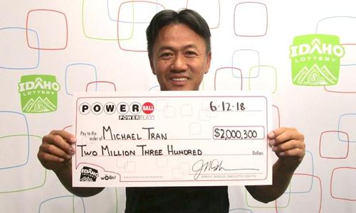 Sau 18 năm chỉ đánh một dãy số, người đàn ông Mỹ trúng 2 triệu USD - ảnh 1