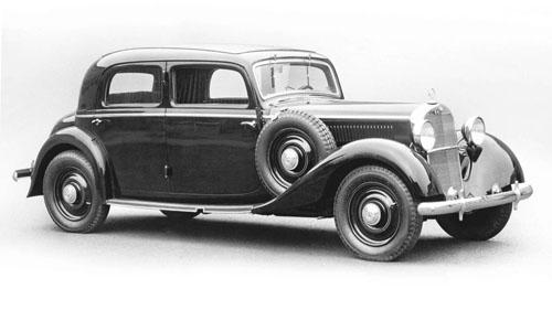 Mercedes 260 D, mẫu xe đầu tiên sử dụng động cơ diesel.