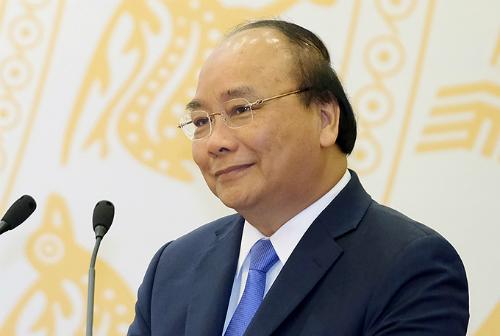 Thủ tướng Nguyễn Xuân Phúc chúc mừng các cơ quan báo chí nhân ngày báo chí cách mạng Việt Nam. Ảnh: VGP/Quang Hiếu.