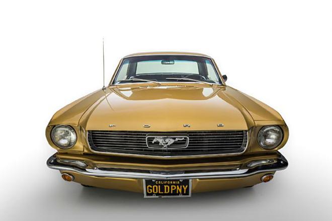 Thị trường xe - Ford Mustang Gold Rush - 'Ngựa hoang' phiên bản hoàng kim