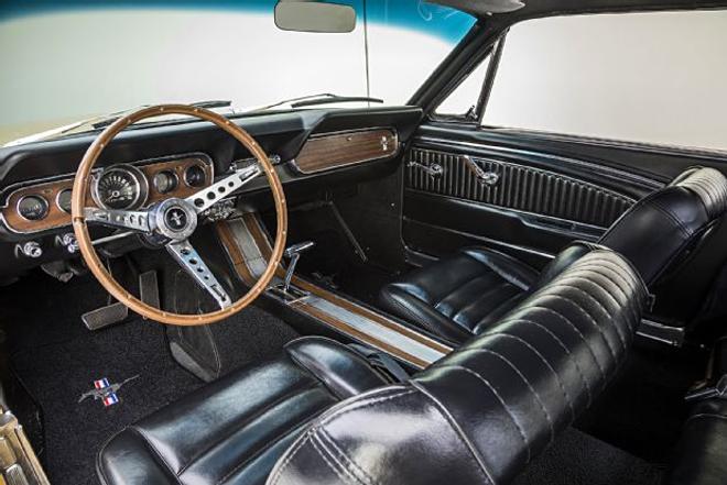 Thị trường xe - Ford Mustang Gold Rush - 'Ngựa hoang' phiên bản hoàng kim (Hình 5).