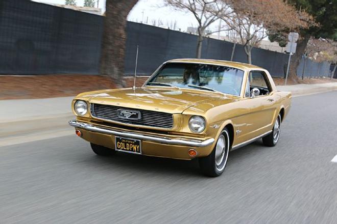 Thị trường xe - Ford Mustang Gold Rush - 'Ngựa hoang' phiên bản hoàng kim (Hình 6).