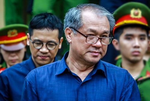 Ông Danh và cấp dưới Phan Thành Mai. Ảnh: Thành Nguyễn.