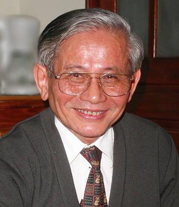 Bức ảnh sử gia Phan Huy Lê mà GS Philippe Papin gửi đến bạn bè, đồng nghiệp cùng thông báo tin buồn về sự ra đi của người thầy đáng kính.