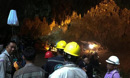Thái Lan: Tìm kiếm đội bóng đá thiếu niên mất tích trong hang động ngập lụt 1