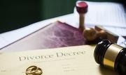 minhhoalyhon 1529982356 180x108 - Làm sao để được ly hôn khi chồng không chịu đến tòa?