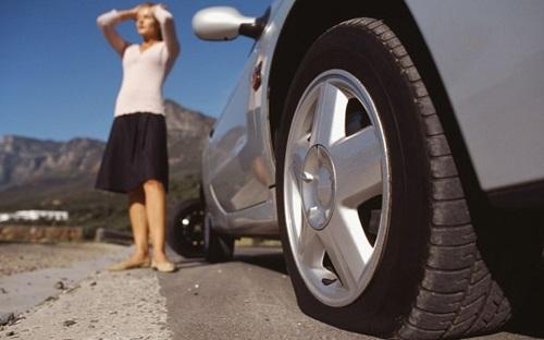 Đánh giá xe - Những mối nguy tiềm tàng khi lái xe lốp non hơi