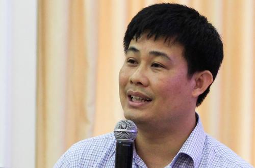 Ông Sái Công Hồng, Cục phó Quản lý chất lượng, phân tích về đi thi THPT quốc gia 2018. Ảnh: Dương Tâm