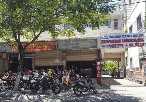 Khu vực nhà công sản tại số 255 Phan Châu Trinh sẽ được giải tỏa làm bãi đỗ xe 6 tầng. Ảnh: Ngọc Trường.