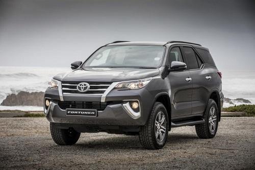 Toyota Fortuner, một trong nhiều mẫu xe không thể về nước trong 2018 do vướng Nghị đinh 116.