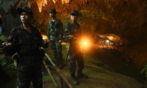 Toàn cảnh nỗ lực giải cứu đội bóng Thái Lan đầy cam go mất tích 9 ngày trong hang động 4