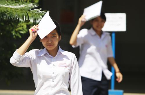 Gần hai phần ba đất nước, từ Quảng Ninh tới Phú Yên, đang trải qua đợt nắng nóng. Ảnh: Đắc Thành.