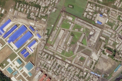 Hoạt động xây mới North Korean missile production facility in Hamhung as seen on Friday shows significant construction to a ballistic missile factory (Picture: Reuters) Read more: https://metro.co.uk/2018/07/02/satellite-images-show-north-korea-is-expanding-ballistic-missile-factory-7676100/?ito=cbshare Twitter: https://twitter.com/MetroUK | Facebook: https://www.facebook.com/MetroUK/