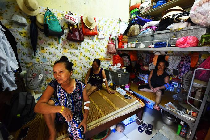 Xóm chạy thận ở Hà Nội vật lộn trong nắng nóng
