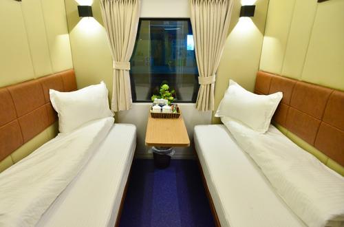 Toa xe 2 gường nằm được cung cấp trên tàu SE1,2. Ảnh: Anh Duy.
