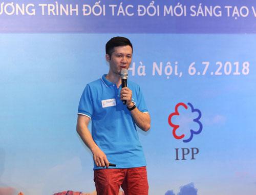 Anh Đặng Thành Trung chia sẻ về phát triển của sản phẩm công nghệ dựa trên nền điện toán đám mây.