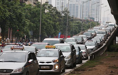 Thị trường xe - Đề xuất thay đổi cách tính lệ phí trước bạ ô tô tại Việt Nam