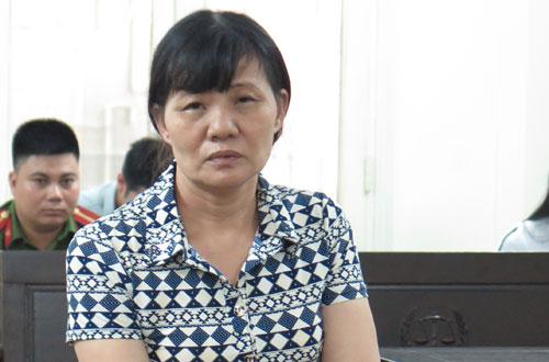 Trần Thị Sáu tại phiên tòa sơ thẩm.