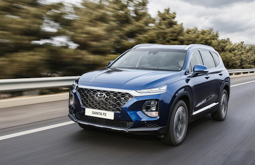 Santa Fe 2019 thay đổi nhiều về thiết kế và tuỳ chọn động cơ. Ảnh: Driving.
