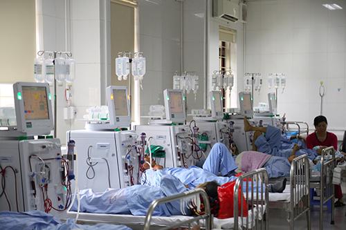 Hệ thống máy chạy thận nhân tạo ở Bệnh viện đa khoa Hòa Bình. Ảnh: Phạm Dự.