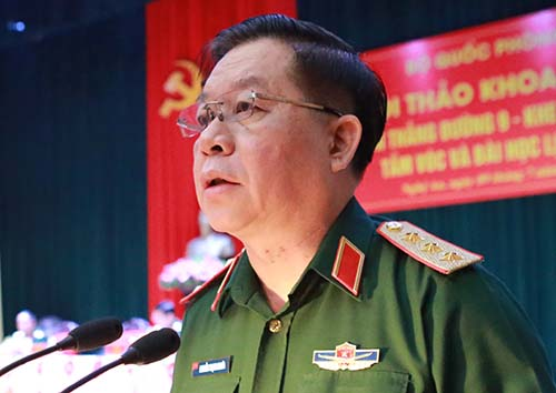 Thượng tướng Trương Trọng Nghĩa tại hội thảo sáng nay. Ảnh: Nguyễn Hải.