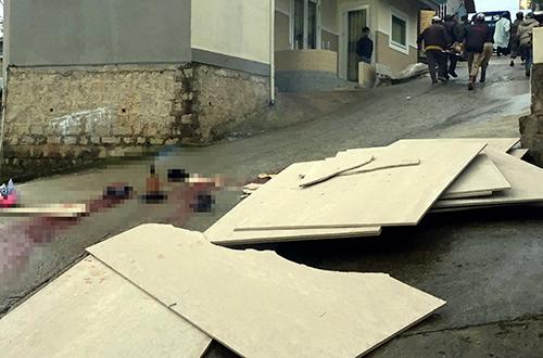 Hiện trường vụ tai nạnkhiến hai thanh niên tử vong. Ảnh: Khánh Hương.