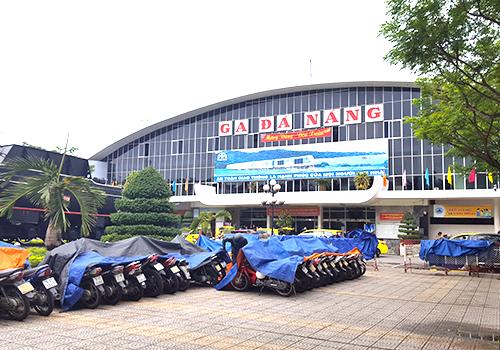 Ga đường sắt Đà Nẵng chậm di dời dù dự án được lập 15 năm nay. Ảnh: Nguyễn Đông.
