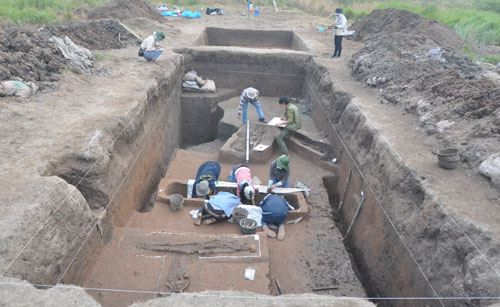 Khai quật khảo cổ học tại Vườn Chuối. Ảnh: Nguyễn Văn Huy