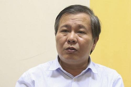Phó giám đốc Sở Giáo dục Hà Nội Lê Ngọc Quang khẳng định thu phí giữ chỗ là sai quy định. Ảnh: Gia Chính