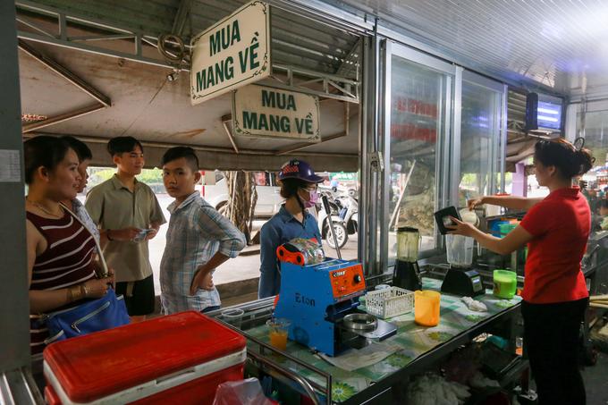Quán nước mía sầu riêng bán 1.000 ly mỗi ngày ở Sài Gòn