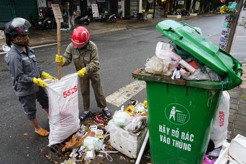 Quảng Ngãi tính mở lại bãi xử lý cũ để giải cứu 1.500 tấn rác - ảnh 3