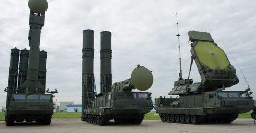 Tổ hợp S-300V, nguyên mẫu để Trung Quốc phát triển dòng HQ-18. Ảnh: Global Security.