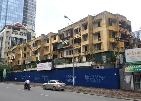 Dự án cải tạo chung cư cũ 93 Láng Hạ bị đình trệ nhiều năm. Ảnh: Anh Duy