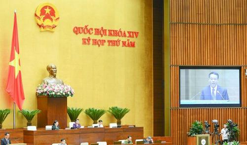 Quốc hội biểu quyết thông qua dự Luật An ninh mạng sáng 12/6. Ảnh: QH