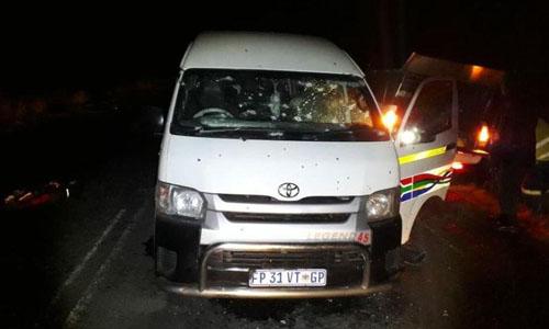 Hiện trường vụ tấn công khiến 11 tài xế thiệt mạng tối 21/7 ở Kwa-Zulu Natal, Nam Phi. Ảnh: Sun.