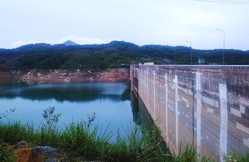 Đập thủy điện Sông Tranh 2 - nơi xảy ra động đấtchụp chiều ngày 27/7. Ảnh: Đắc Thành.
