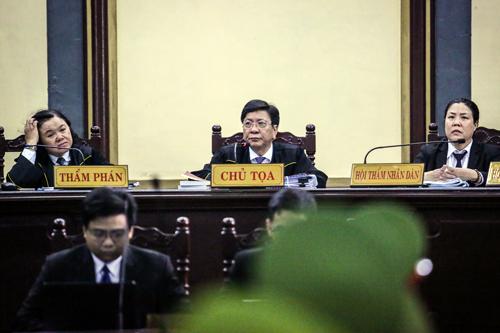HĐXX do Chánh tòa Hình sự làm chủ tọa. Ảnh: Thành Nguyễn.