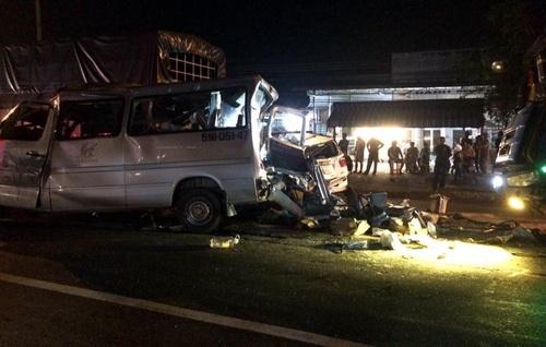 Hiện trường vụ tai nạn trên quốc lộ 1 qua địa phận huyện Xuân Lộc. Ảnh: Thái Hà