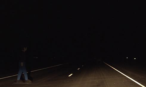 Sau vô lăng - Những hiểm họa khôn lường khi lái xe ban đêm tại Việt Nam (Hình 2).
