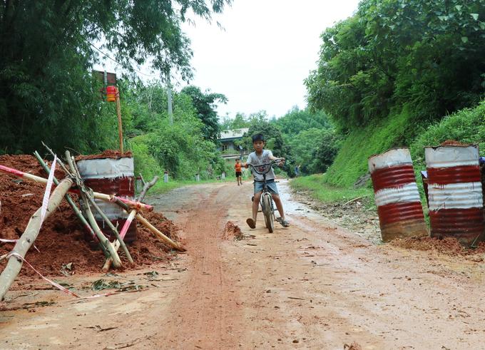 Hòa Bình di dân khẩn cấp vùng hạ lưu thủy điện