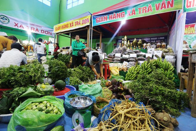 Chợ sâm giá hàng chục triệu đồng một kg ở Quảng Nam