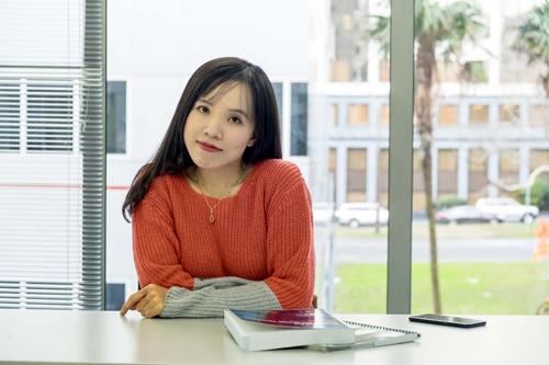 Vân sky hiện là du học sinh kiêm giáo viên dạy ngoại ngữ ở Abacus Institute of Studies và Cornell Institute of Business and Technology tại New Zealand.
