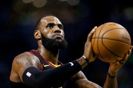 Cầu thủ bóng rổ LeBron James. Ảnh: Reuters.