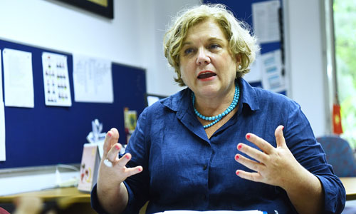Bà Wood trong văn phòng làm việc tại Đại sứ quán Australia tại Hà Nội. Ảnh: Giang Huy.