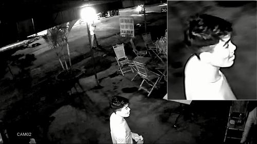 Một trong số 2 nghi can được camera an ninh ghi lại hình ảnh. Ảnh: Công an cung cấp.