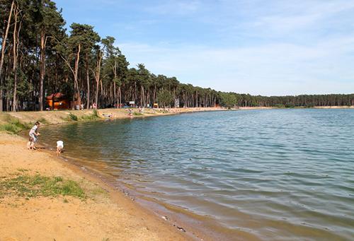 Hồ Lhota nằm cách thủ đô Prague 20 km, là điểm nghỉ dưỡng mùa hè nổi tiếng. Ảnh: testovanonadetech