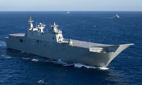 Nhóm tàu tác chiến của Australia trên đườngdi chuyển tới Biển Đông hồi tháng 9/2017. Ảnh:Daily Telegraph.