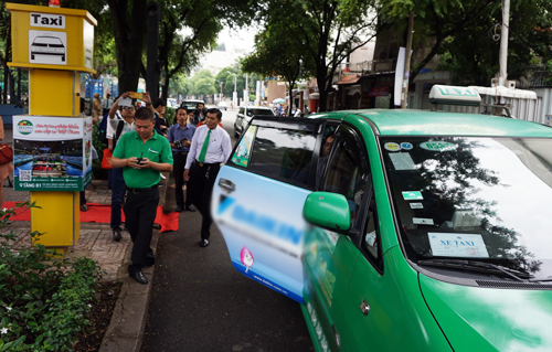 https://i-vnexpress.vnecdn.net/2018/08/08/taxi-2966-1533694454.jpg