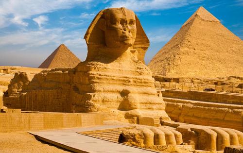 Tượng Nhân sư Lớn ở Giza cao 20 m và dài khoảng 73 m. Ảnh: Sun.